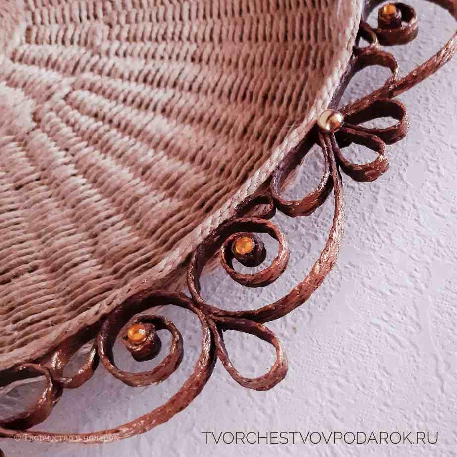 плетеный поднос